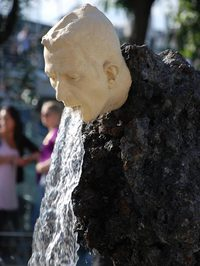 13 самых странных скульптур со всего мира