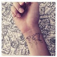 16 крошечных татуировок о великих путешествиях