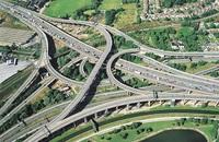 7 самых сумасшедших перекрестков, на которых может растеряться самый опытный водитель