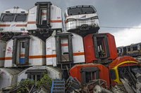 Станция мертвых электричек в Индонезии