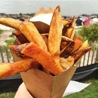 27 вкусностей, которые непременно должны дополнить ваш отдых на пляже этим летом