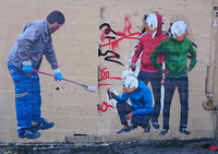 Художник, увидев как уборщик закрашивает его рисунок, сделал нечто невероятное!