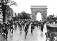 24 эксклюзивных винтажных снимка из жизни Парижа 1920-х годов