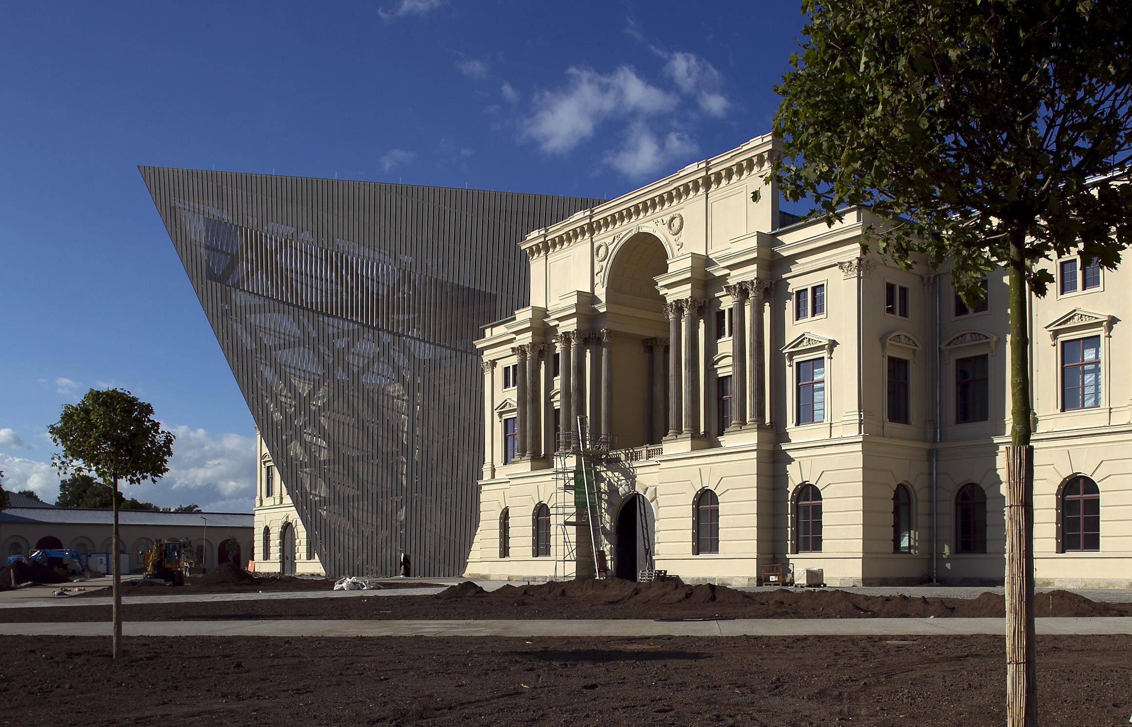 Цена билетов в музеи в дрездене цена билеты в театр омск