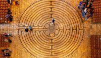 Зачем люди ходили по лабиринтам с древних времен, и какую пользу они приносят