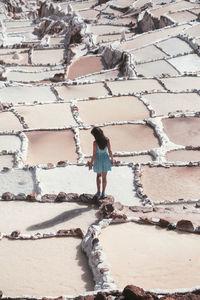 Двое путешественников показали красоту уникальных соляных прудов Перу