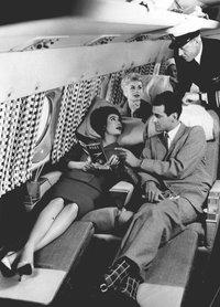 Яркие винтажные фото о том, какими были путешествия в самолете на протяжении 100 лет