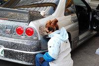 Мужчина разрешил жене разрисовать свой автомобиль маркером, и получился шедевр