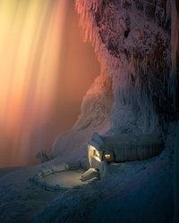 Как выглядит замерзший Ниагарский водопад ночью, освещенный красочными огнями