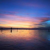 Закат на пляже Кута