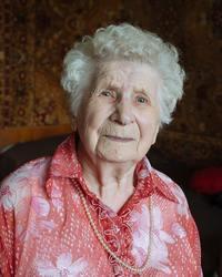 Фотограф снял портреты россиян, родившихся в 1917 году и отметивших свое 100-летие