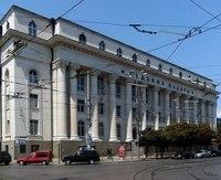 Здание Судебной палаты, одна из немногочисленных достопримечательностей бульвара
