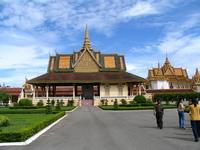 Камбоджа: знакомство с Пномпенем