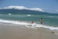 Вот такие небольшие волны периодически бывают в Дананге