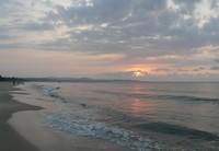 Обязательно встречайте закат на побережье