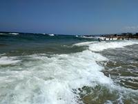Неспокойное критское море в Малии, о. Крит