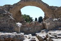 На Косе много древних руин