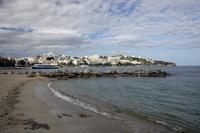 Пляж на Плайя Ден Босса ранним утром. Ибица, Испания