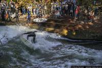 Речной серфинг: культовый серф-спот в центре Мюнхена