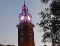 Башня в ночной подсветке