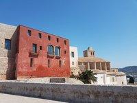 Августовская прогулка по Старому городу, Ибица