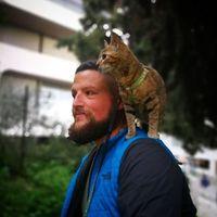 Шотландец отправился в путешествие по миру и нашел самого лучшего компаньона — кошку